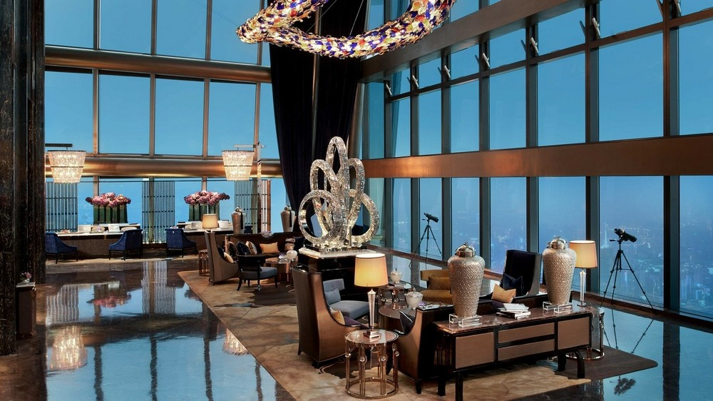 10 of the Most Sparkling Luxury Hotel Lobbies in the World 12