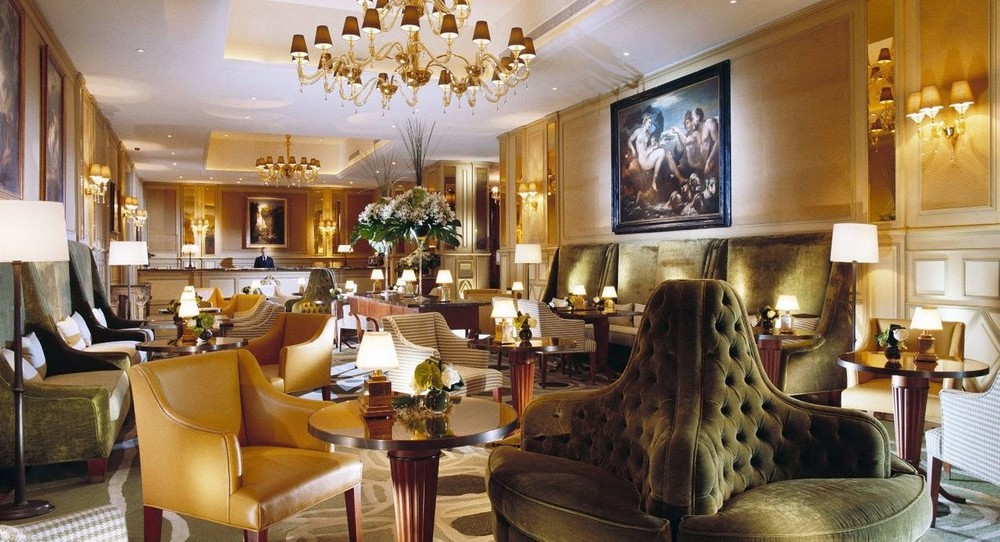 10 of the Most Sparkling Luxury Hotel Lobbies in the World 9