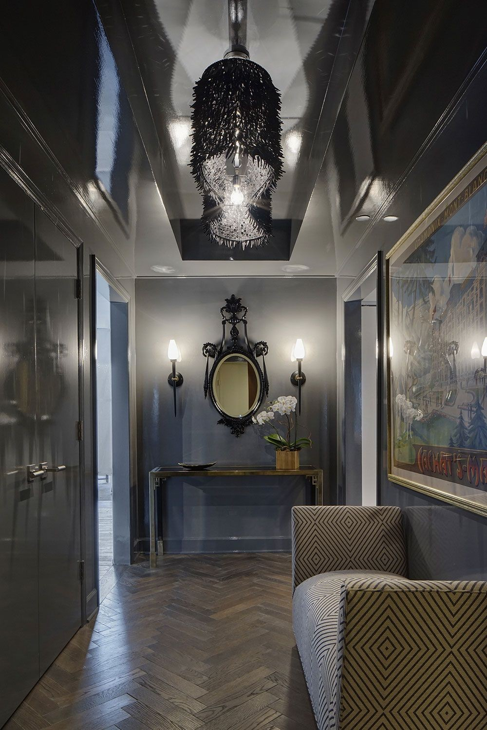 Be Inspired by a Series of Outstanding Entryway Lighting Ideas 3
