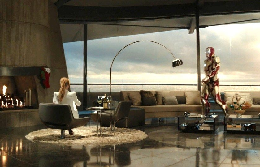 "Arco lamp in the ""Iron Man"""