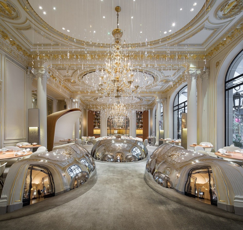 Luxury Restaurants Go for the Cuisine, Stay for the Dramatic Lighting 1