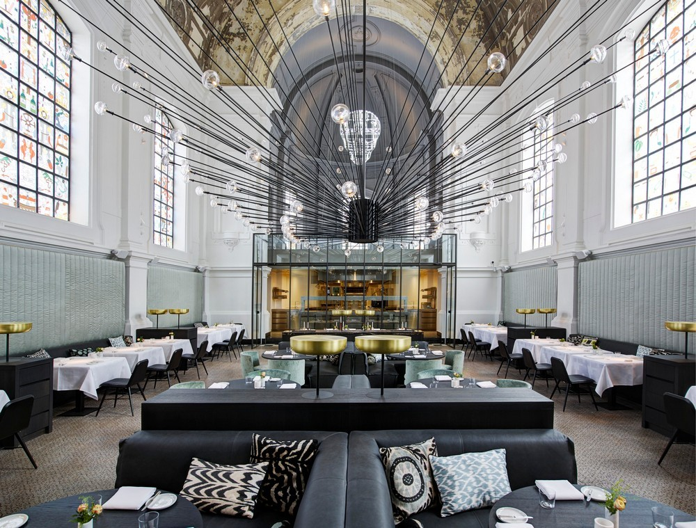 Luxury Restaurants Go for the Cuisine, Stay for the Dramatic Lighting 3