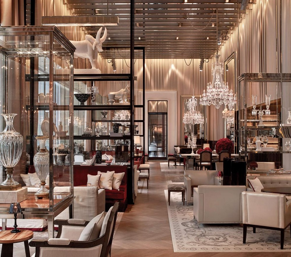 Luxury Restaurants Go for the Cuisine, Stay for the Dramatic Lighting 4