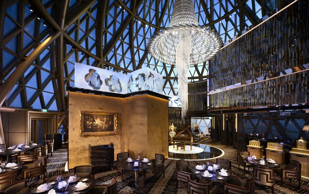Luxury Restaurants Go for the Cuisine, Stay for the Dramatic Lighting 5