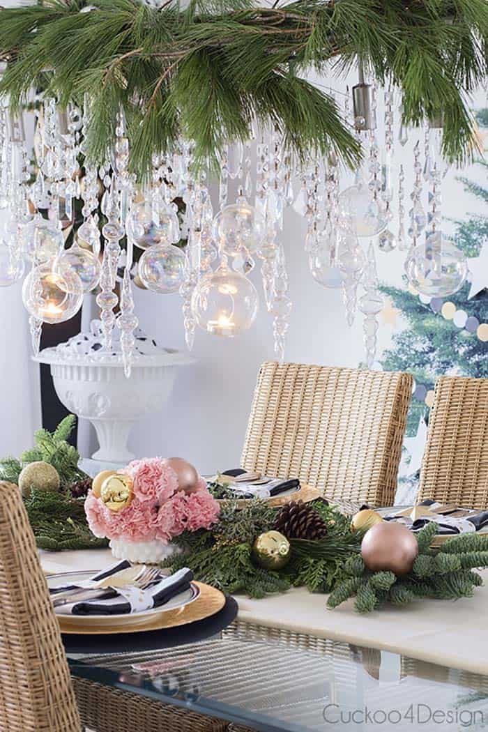 4 Chandelier Decorations For The Christmas Season